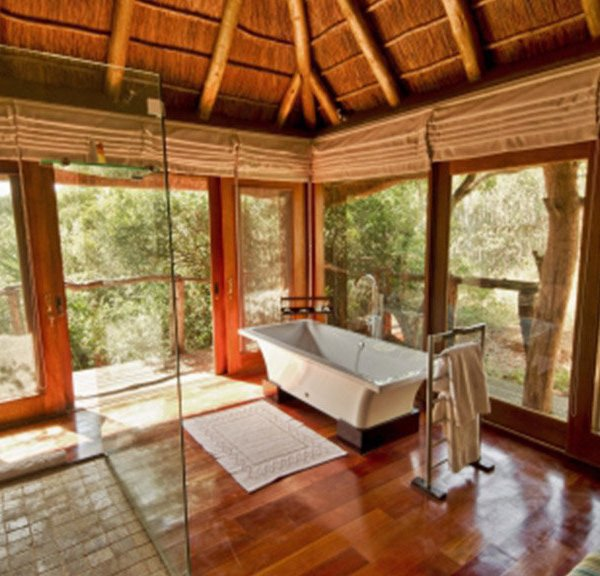 Pumba Msenge Bush Lodge  Luxury Bathroom