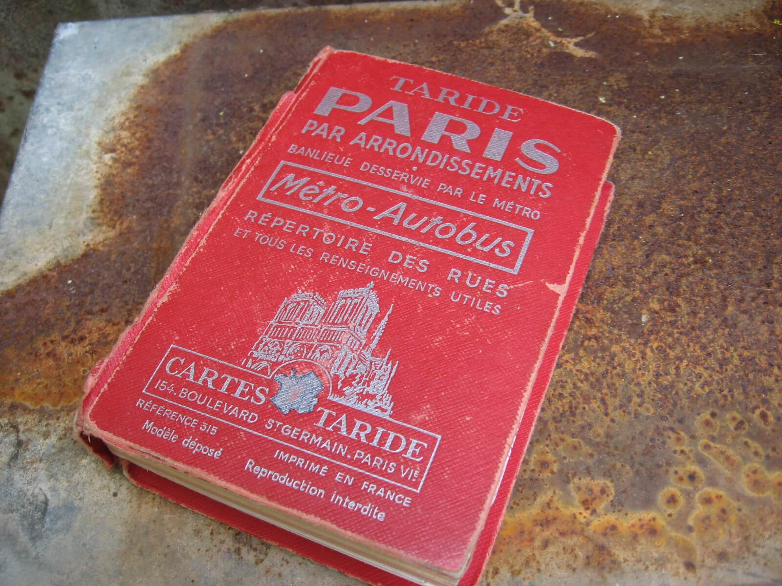 Taride Paris Map book 1966 at PumpjackPiddlewick