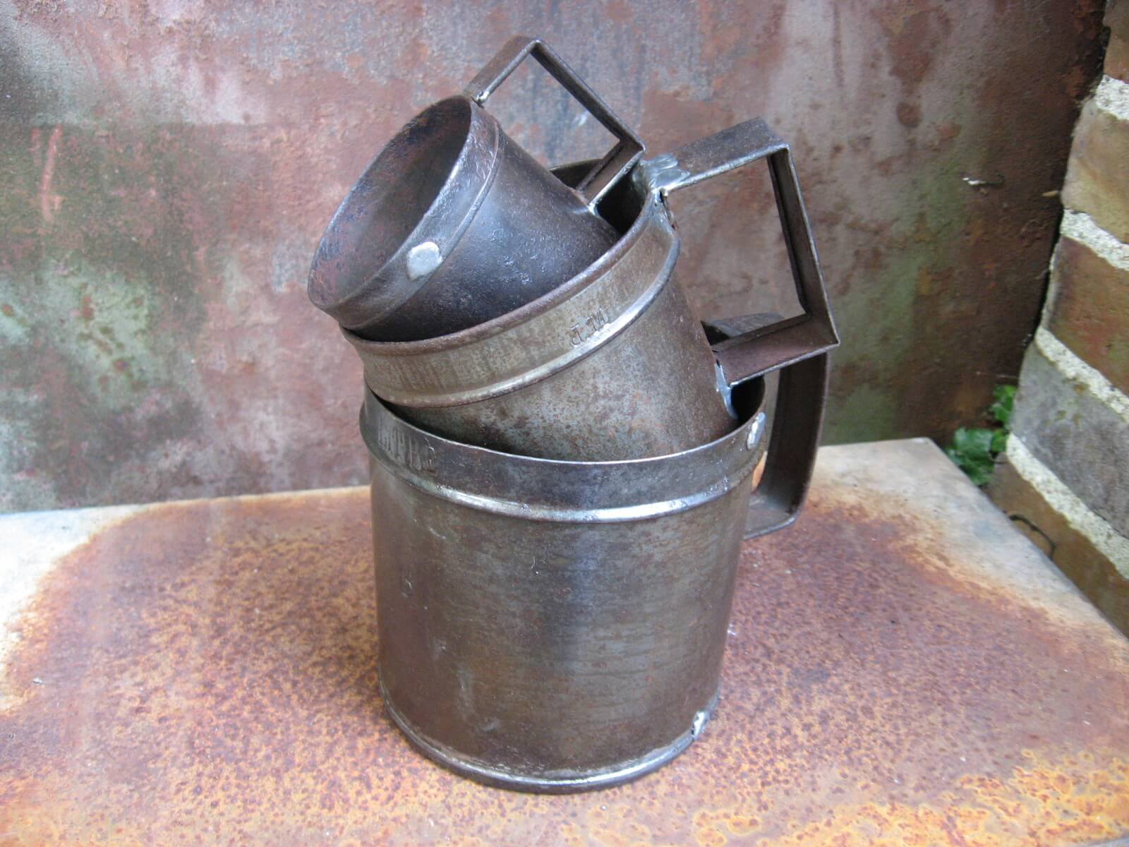 metal measuring cups litre demiliter doubledeilitre at PumpjackPiddlewick