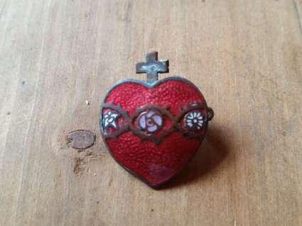 Early 20th century enamel sacred heart brooch
