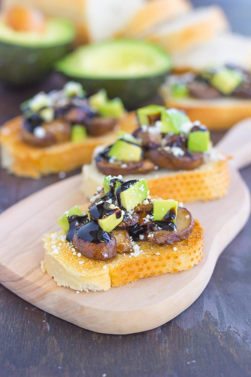 This Mushroom, Avocado and Feta Toast combines fresh mushrooms, ripe avocado and creamy feta cheese, piled highon toasted bread and drizzled with a balsamic glaze. This simple toast makes a deliciously easy appetizer or side dish! #mushrooms #mushroomtoast #mushroomrecipe #avocado #avocadotoast #toast #toastrecipe #appetizer