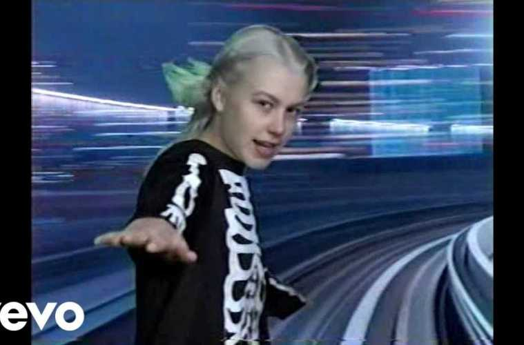 Phoebe Bridgers – Kyoto (Official Video)