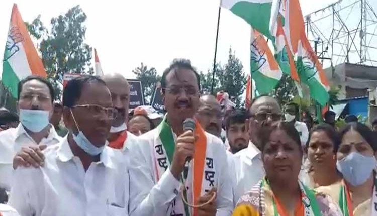 Pune | Central government trying to trample farmers' movement: Ashok Pawar (Video) News in hindi