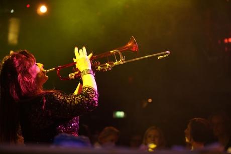 Maasstad_personeelsfeest_trompettiste