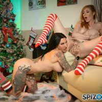 Lauren Phillips and Jenevieve Hexxx Enjoy a Lesbian Cupcake Christmas