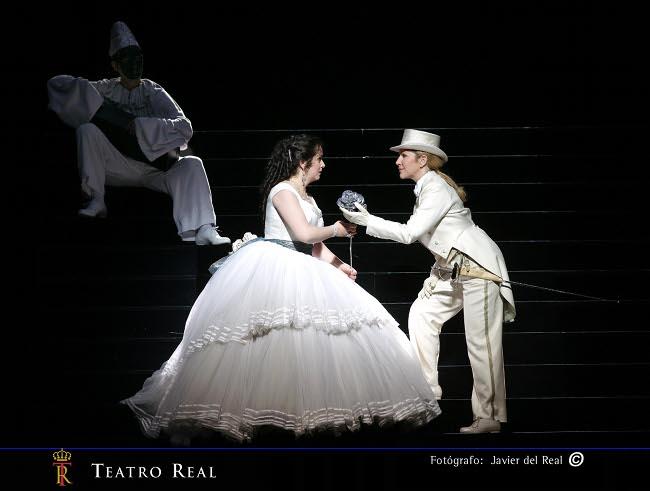 https://i2.wp.com/www.puntafinanews.com/wp-content/uploads/2010/12/Der-Rosenkavalier-Javier-del-Real2.jpg