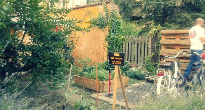 casello-giallo-bike-parking