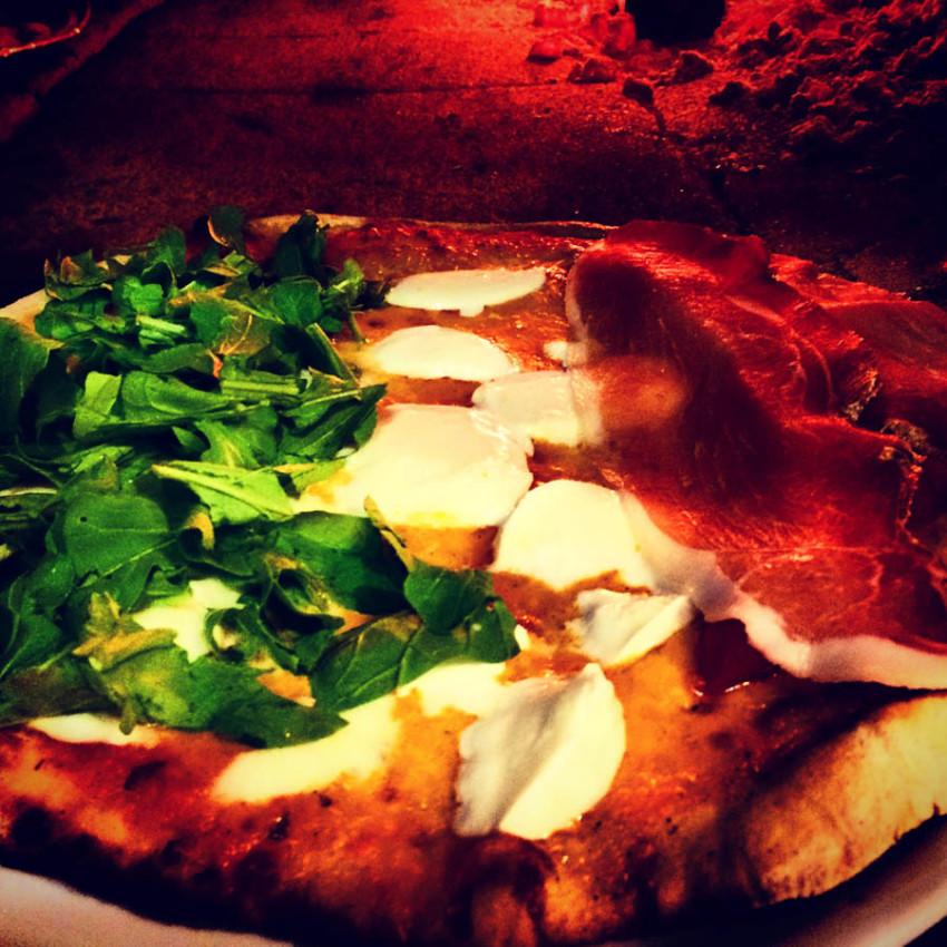 La Luna pizza