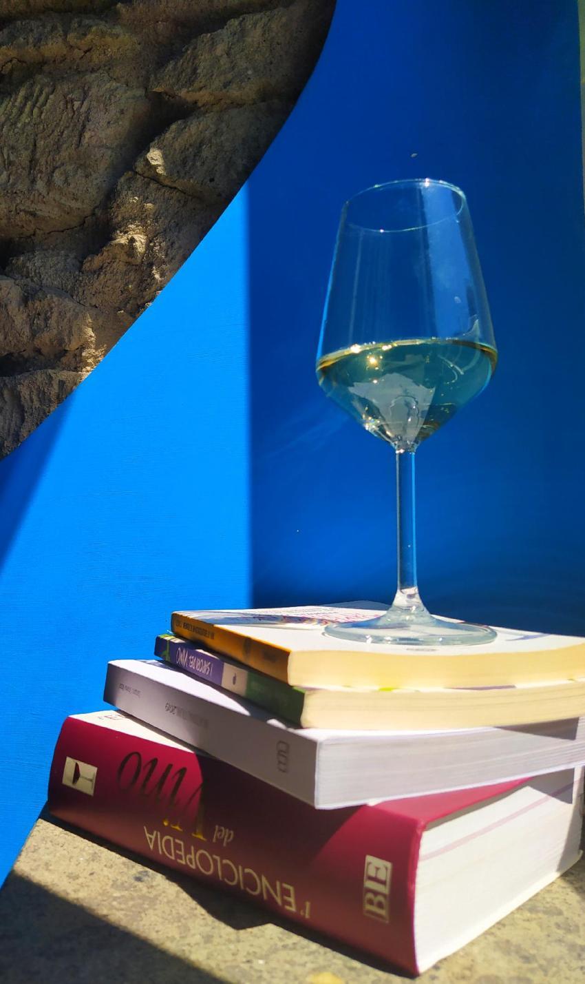 Libri, calice, sommelier