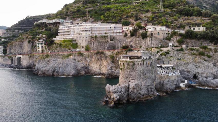 costiera amalfitana, maiori, oltremare, hotel club due torri, cgef alfonso crisci