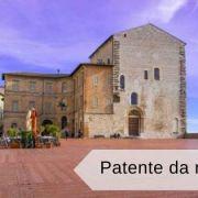 Visitare Gubbio e prendere la patente da matto