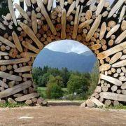 Informazioni su Arte Sella: struttura in legno intrecciata