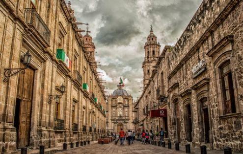cose da sapere sul messico, immagine di piazza coloniale