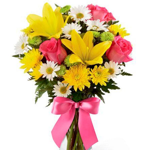Bouquet molto grazioso con lilium gialli margherite gerbere gialle e rose rosa