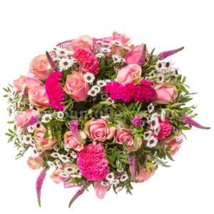 Bouquet con celosia, rose rosa, margherite bianche