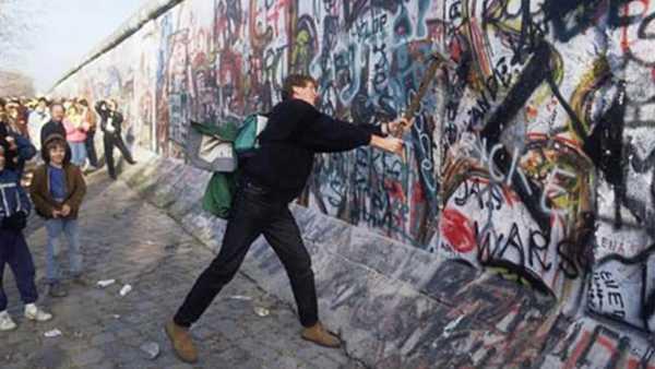 """Stasera in Tv: Su Rai Storia (canale 54) """"L'ombra del muro"""" - Vite recluse"""
