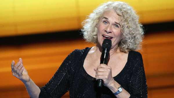 """Stasera in TV: A """"Ghiaccio bollente"""" Carole King. Su Rai5 una """"Natural Woman"""""""