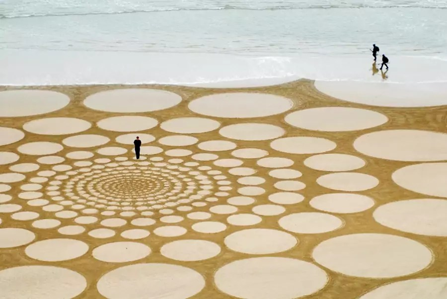 Jim Denevan – The Earth is his Canvas- From The Sand Series 10