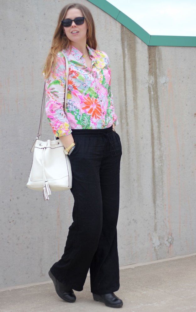 lilly-for-target-nosie-posey-top-black-linen-pants-white-purse