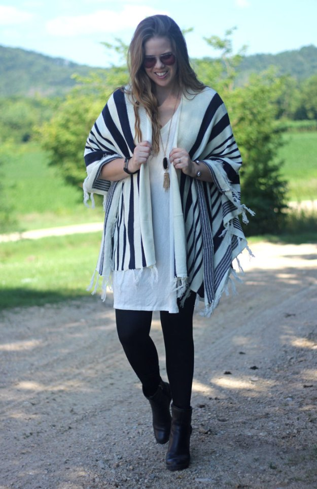 Blanket Cardigan - Fall Preview: Tobi navy and cream blanket cardigan wrap, white sweater tunic, leather leggings   Get ready for fall today!   Puppies & Pretties