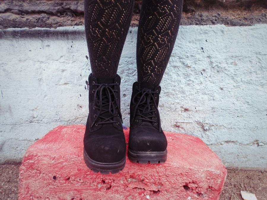 Close-up of Fila Men's boots.