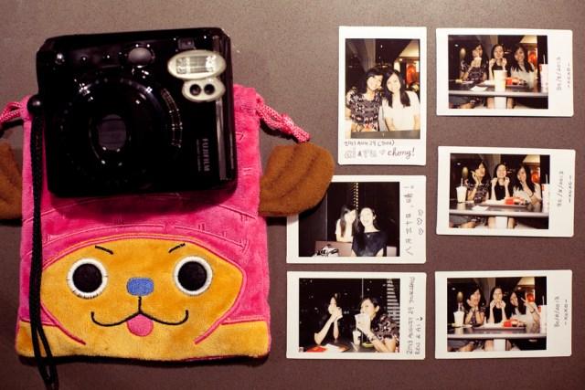 Instax photos with Shasha and Ruru.