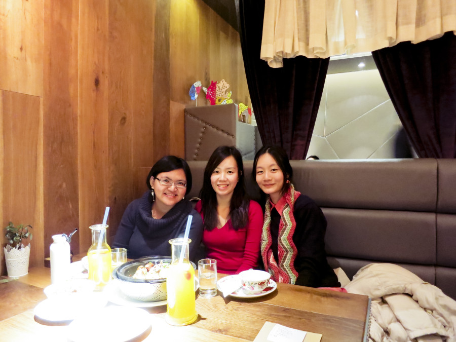 Puey, Ade, and Ren at at Grandma's Kitchen in Shanghai. 外婆家(南京西路店). Photo from Ade.