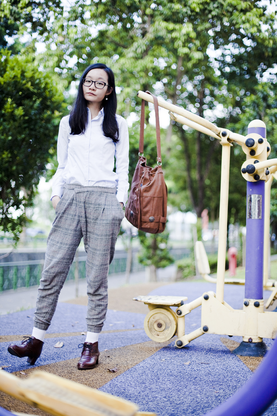 Outfit of the day (#ootd): Gap black-rimmed glasses, G2000 blouse, Zara plaid pants, Taobao oxford heels, Gentlefawn leather bag.