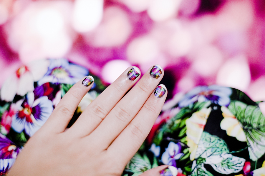 Nails of the day, mixed floral prints to match the Cottage Garden Floral Print Bikini from Choies Motel Rocks.