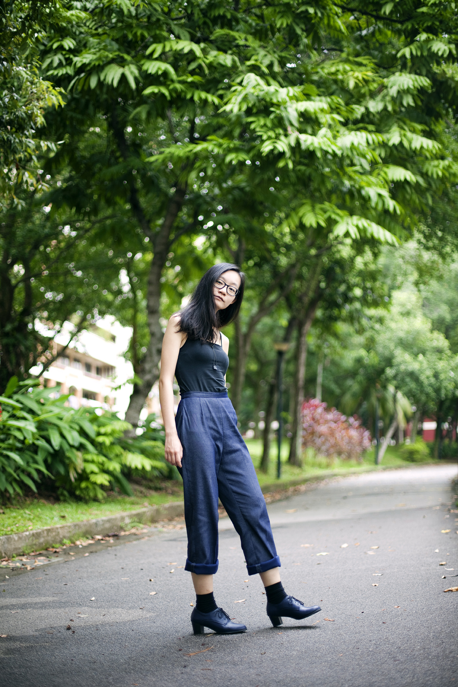 Outfit of the day (#ootd): Uniqlo black bratop, vintage navy pants, Taobao black socks, Taobao navy oxford heels, Gap black rim glasses, black square pendant necklace from Bangkok.
