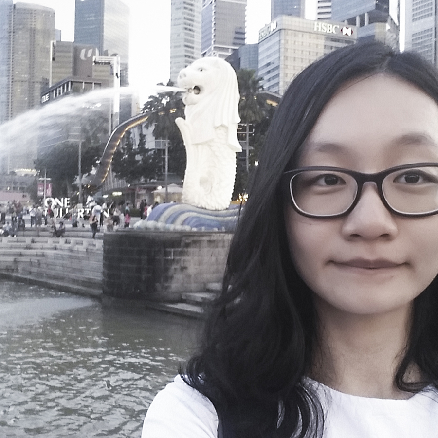 Selfie in front of the Merlion by the Singapore River at the Esplanade.