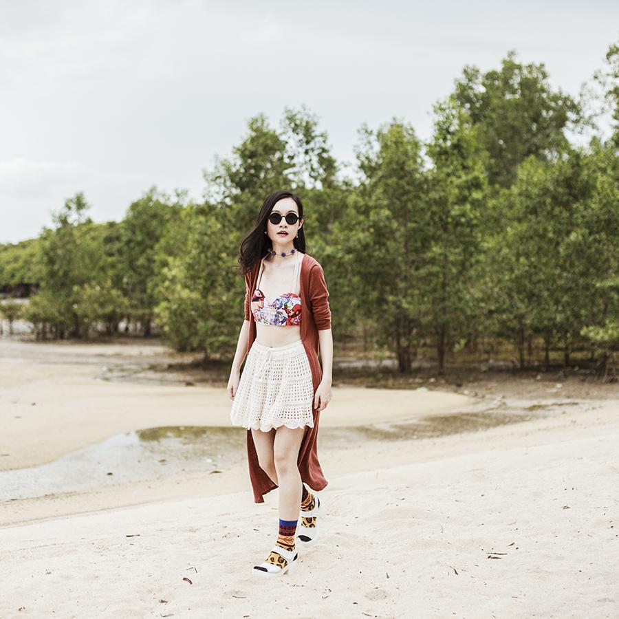 Outfit details: Romwe superhero swimsuit top, Boyholic knit lace skirt, 24:01 round sunglasses via Zalora, Forever 21 rust red long cardigan, Stance warrior socks, Taobao white platform sandals.