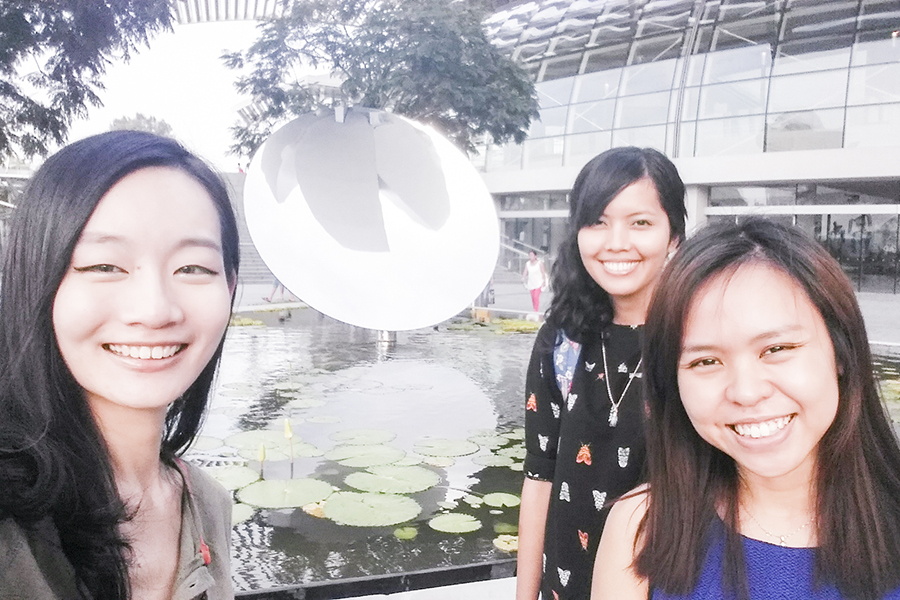 Selfie with Shasha & Ruru at the reflection of the ArtScience Museum at Marina Bay Sands, Singapore.