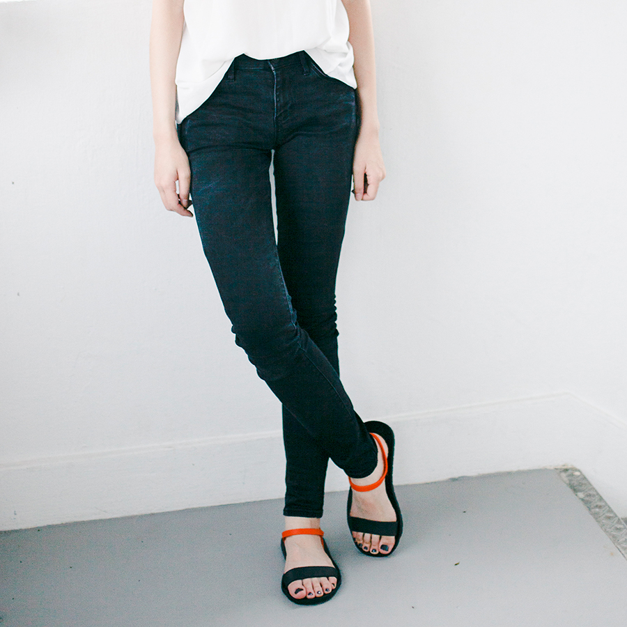 Monochrome outfit: Dresslink backless white chiffon top, Uniqlo black ultra stretch jeans, BlackOut SG custom sandals.