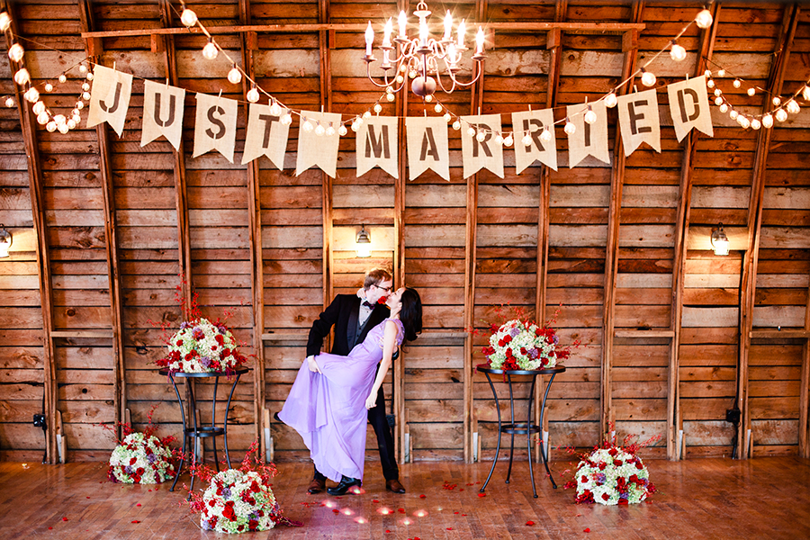 Winter Wedding photoshoot at the Rustic Oaks, Moorhead Minnesota, USA