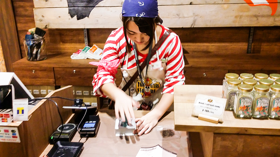 Getting the special Chopper stamp from the Tongari Store Staff at One Piece Tower, Tokyo Tower Japan.
