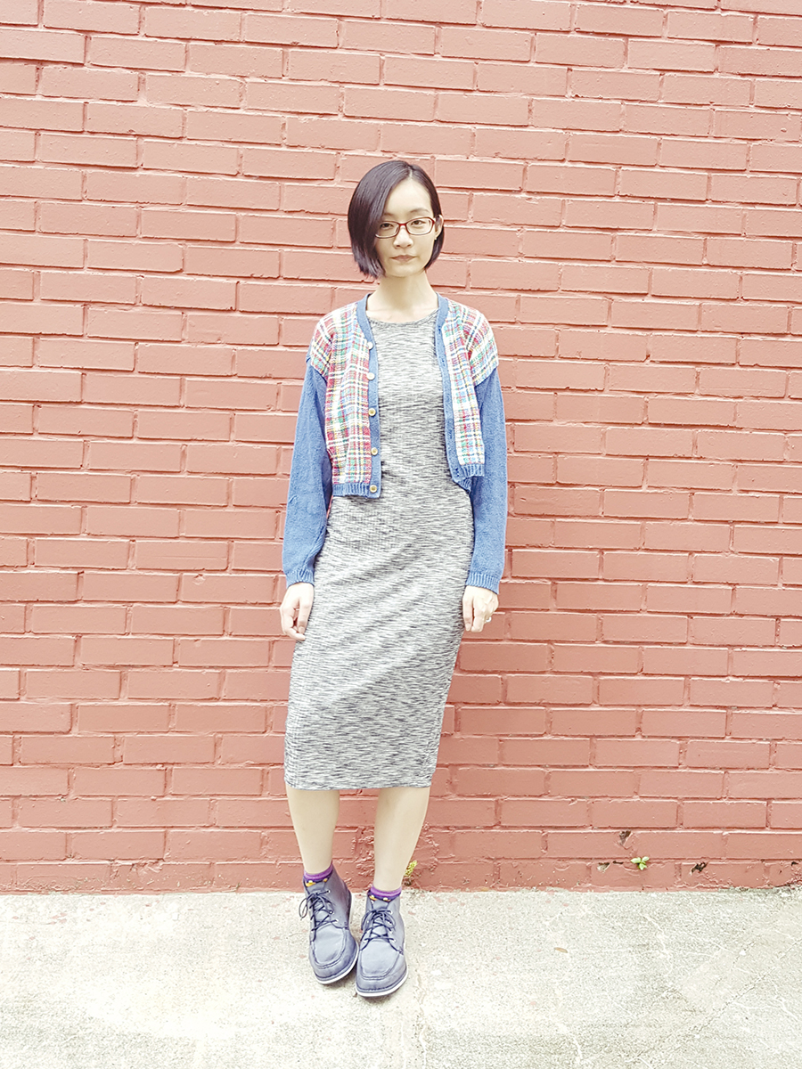 Casual outfit: Cotton On heather grey bodycon dress, Thrifted vintage school cardigan, Timberland blue lace-up boots, Firmoo red glasses.