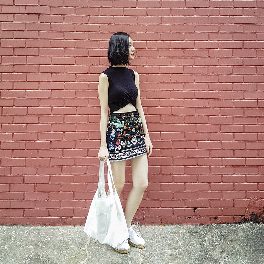 Flower Farm Shopping outfit: Topshop black twist crop top, Shein embroidered skirt, Mango white shopper bag, Kurt Geiger Lovebug sneakers.