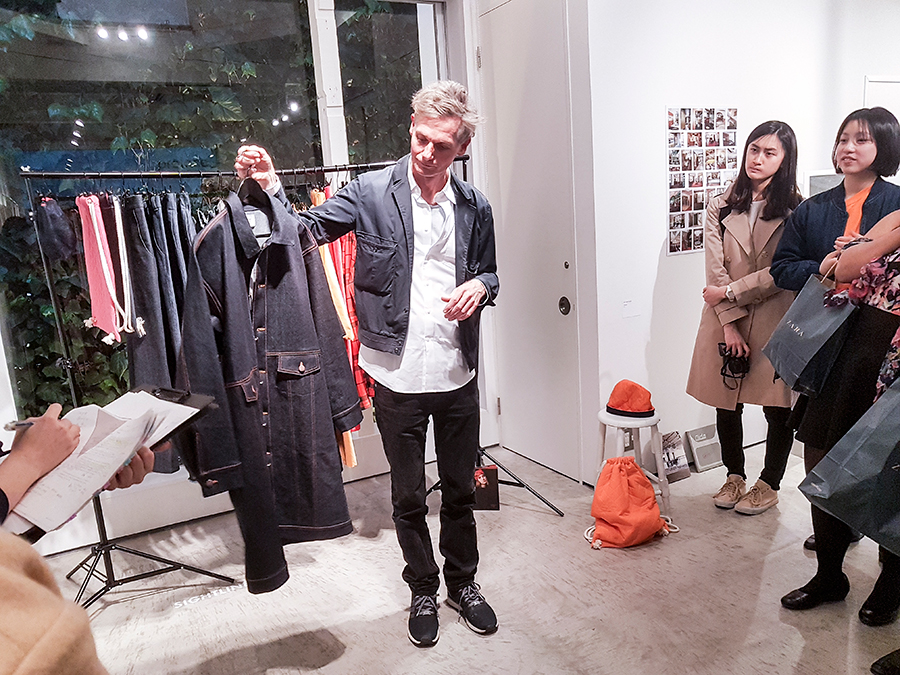 Curator Andreas Spiegl introducing brands and artworks from contemporary Vienna artists at PREFACE: Image Politics in Fashion and Arts for Amazon Fashion Week Tokyo 2017.