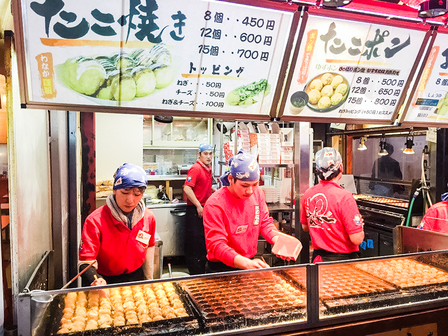 Takoyaki stall in Osaka, Japan. Photo by Ruru.