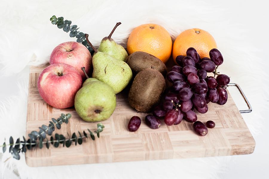 Fruits included in the Floral Garage SG Fruit Hamper.