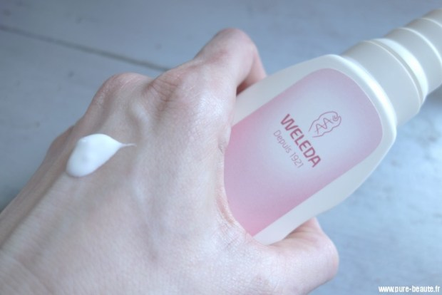 texture lait corps confort amande weleda
