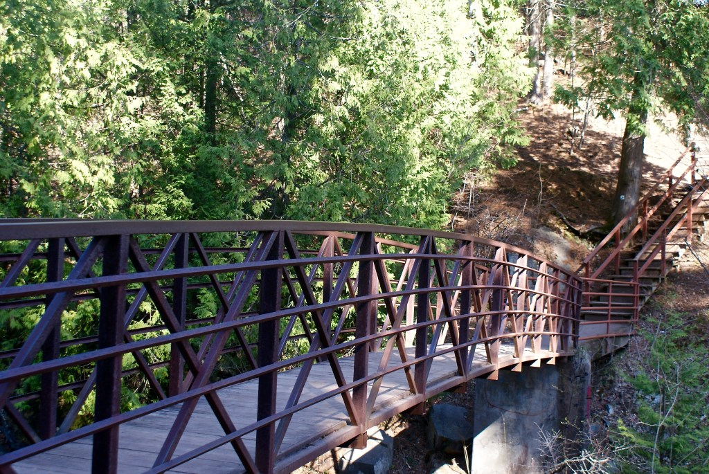duluth-wedding-and-event-planning-chester-park-date-night-outdoors-therapeutic-thursday