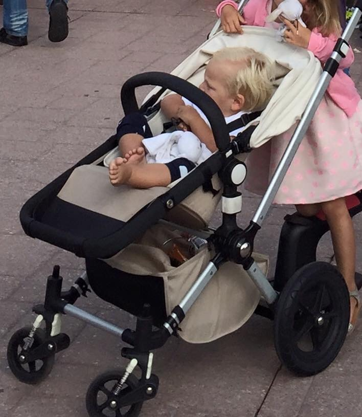 Kinderwagen (vorig jaar) gestolen in de Efteling!