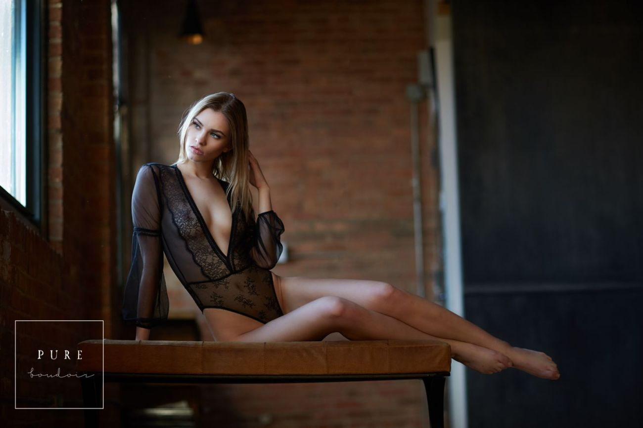 Sexy boudoir photo session