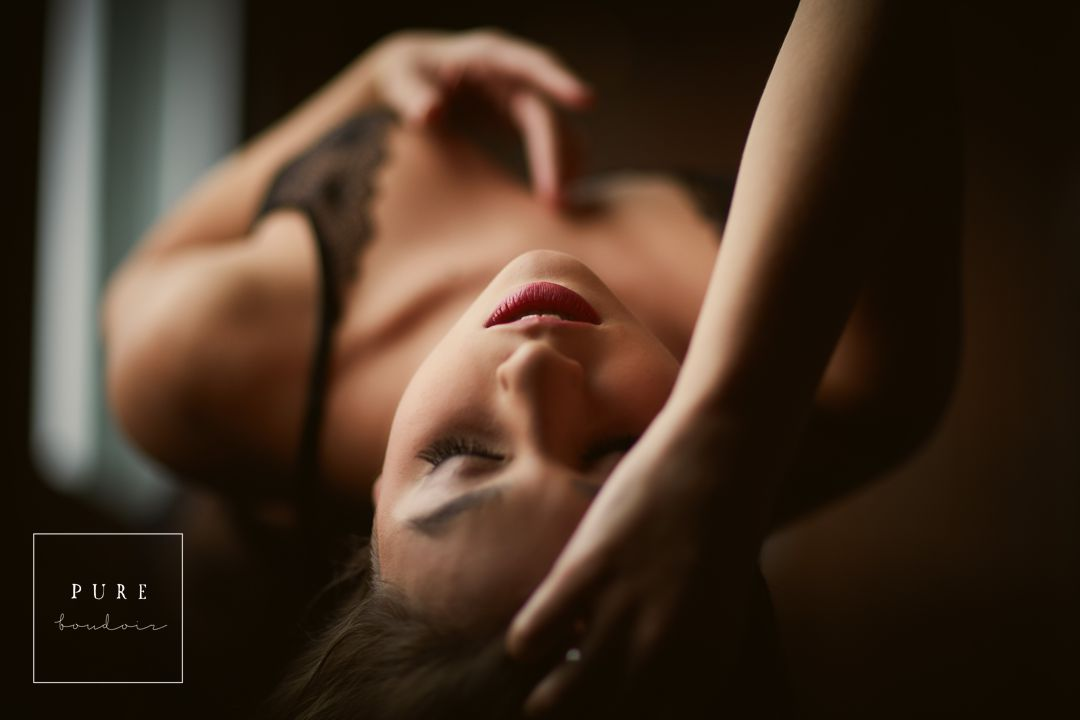 chicago boudoir woman sexy - Natural Light Boudoir Photography - Chicago