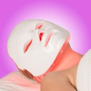 seemask-pro-homepage-button-wearing-mask-600x600