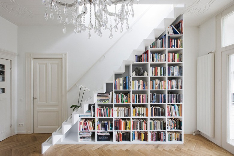 stairs-with-bookshelves_080216_04-800x533