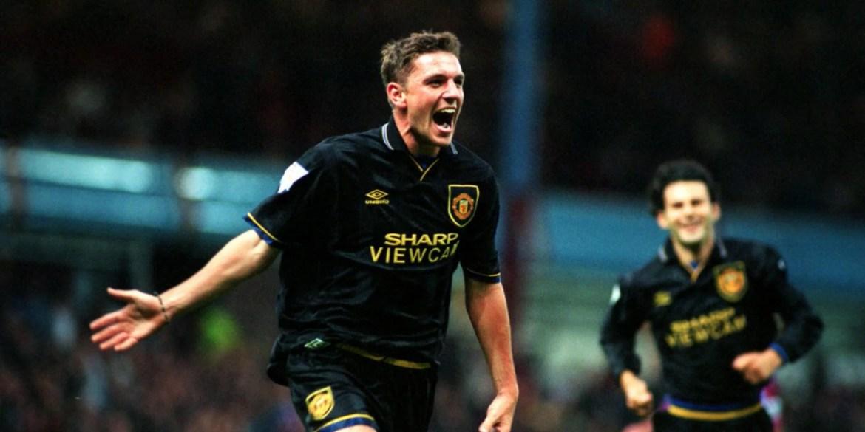 Lee Sharpe celebrating a goal