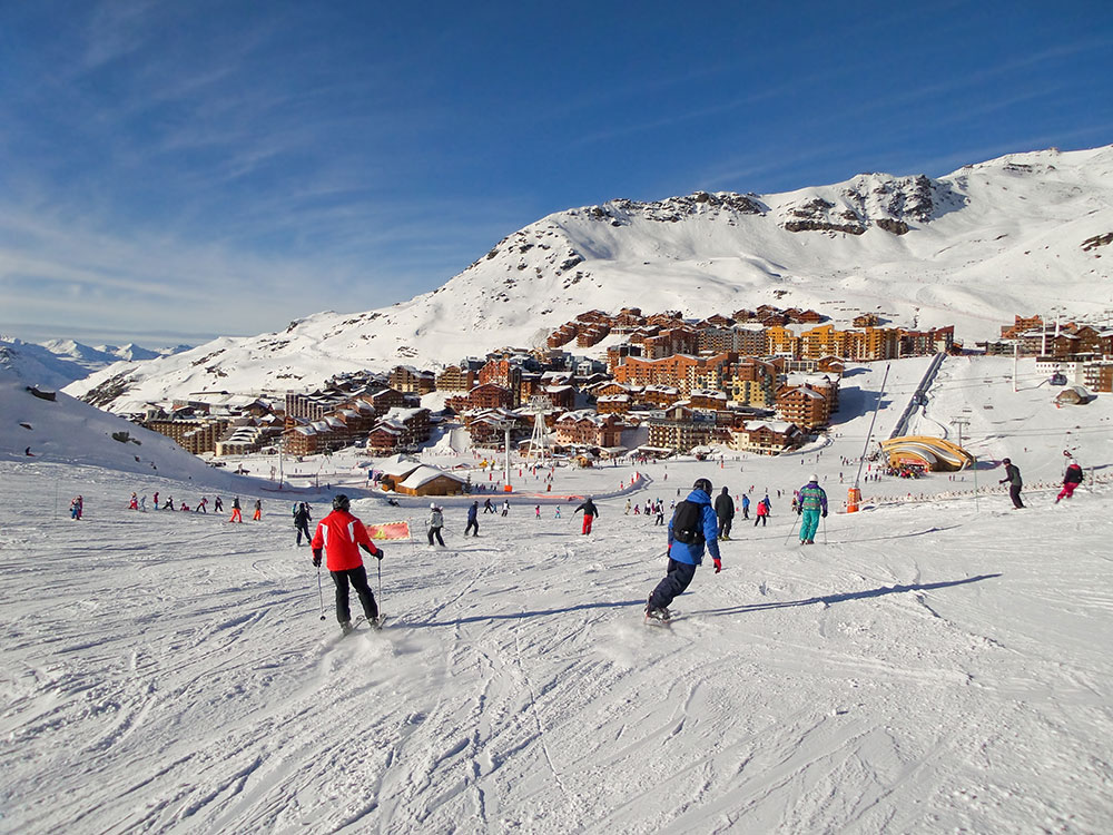 Ski-slope-at-Val-Thorens,-the-Alps,-France